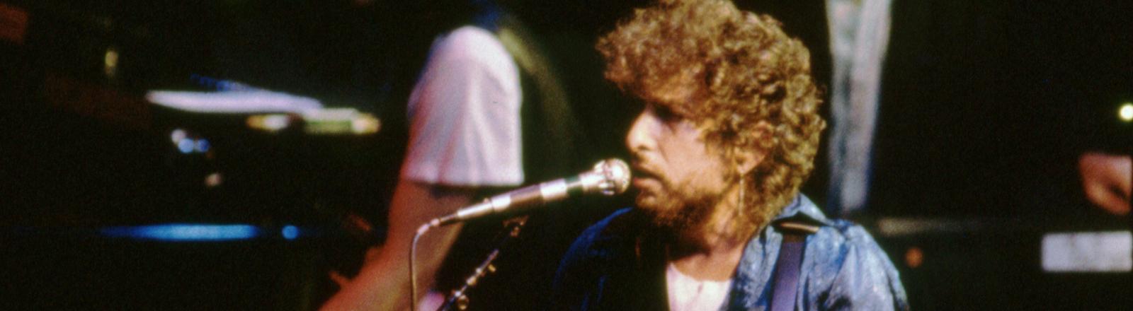 Bob Dylan bei einem Konzert 1987