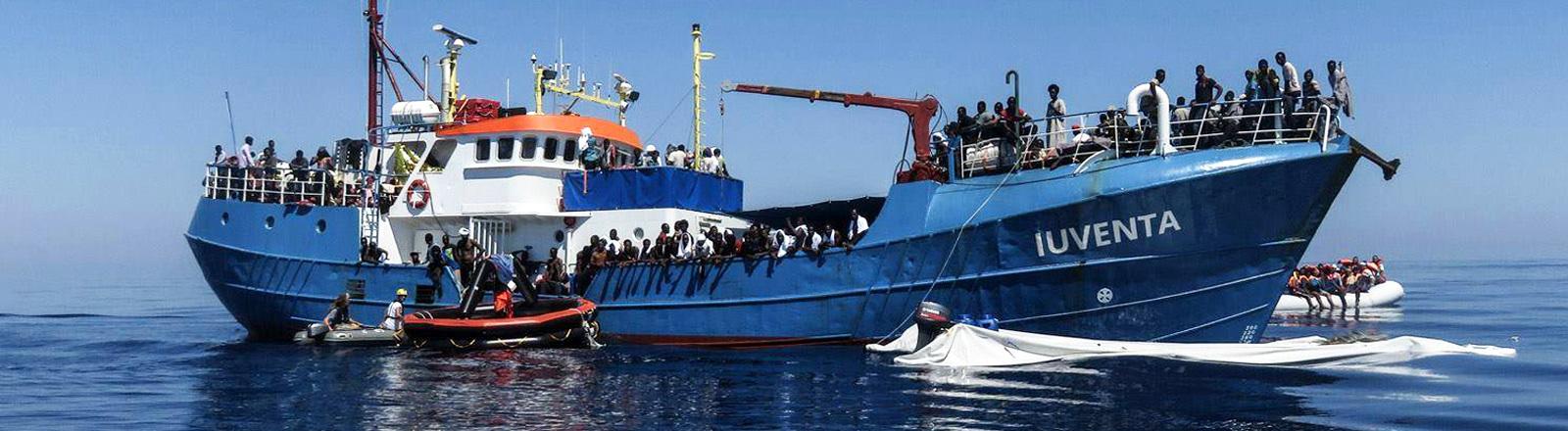 Die IUVENTA, das Boot des Vereins Jugend rettet