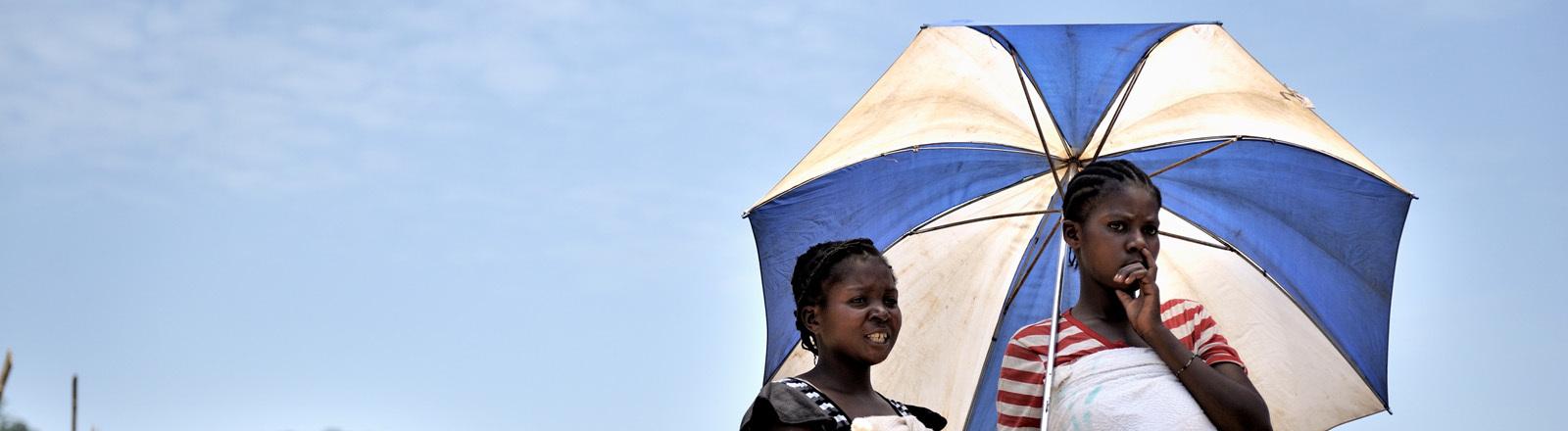 In der Ortschaft Luvungi in der Provinz Nord-Kivu im Osten der Demokratischen Republik Kongo wurden 2010 mindestens 242 Frauen, darunter auch 20 Kinder von den FDLR-Rebellen (Demokratische Kräfte zur Befreiung Ruandas) vergewaltigt.