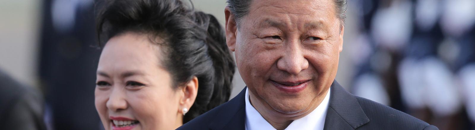 Der Staatspräsident von China, Xi Jinping, und seine Frau Peng Liyuan, 2017.