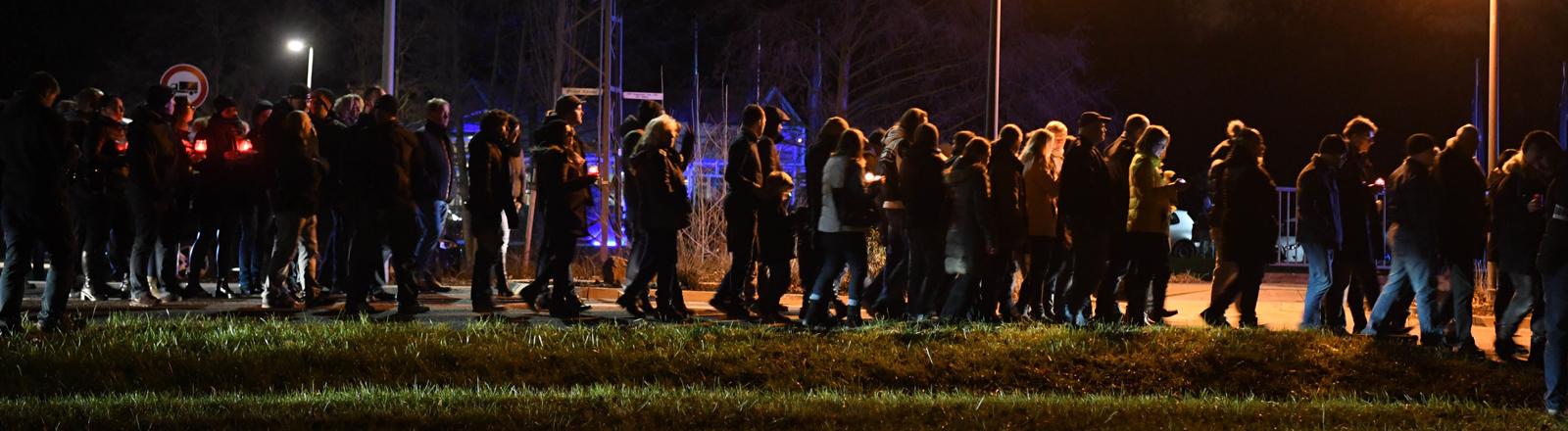 Kandel, Trauerzug nach Mord an einer 15-Jährigen