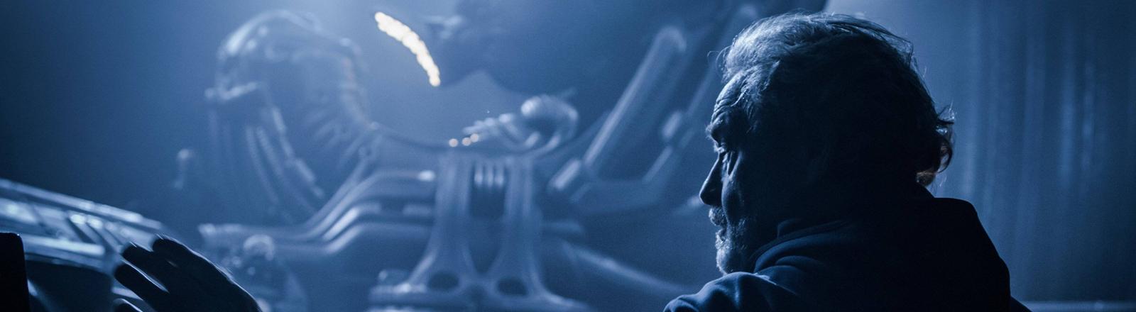 """Sir Ridley Scott am Set von """"Alien: Covenant"""""""