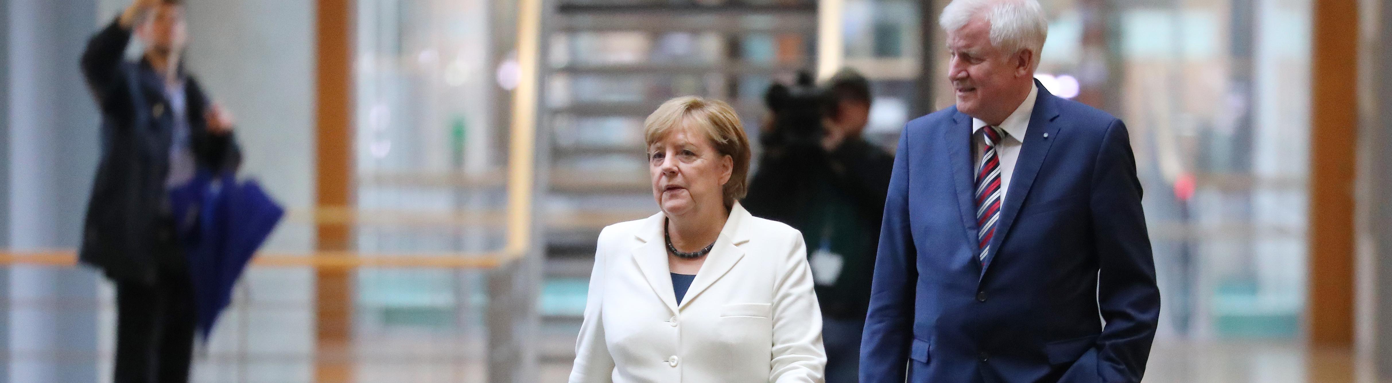Verblasste Ziele? Angela Merkel und Horst Seehofer auf dem Weg zu den Sondierungsverhandlungen