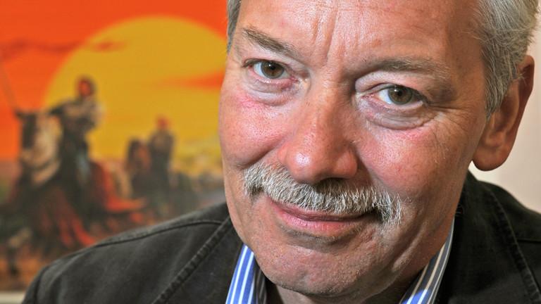 Klaus Teuber hat die Siedler von Catan im Jahr 1995 erfunden.