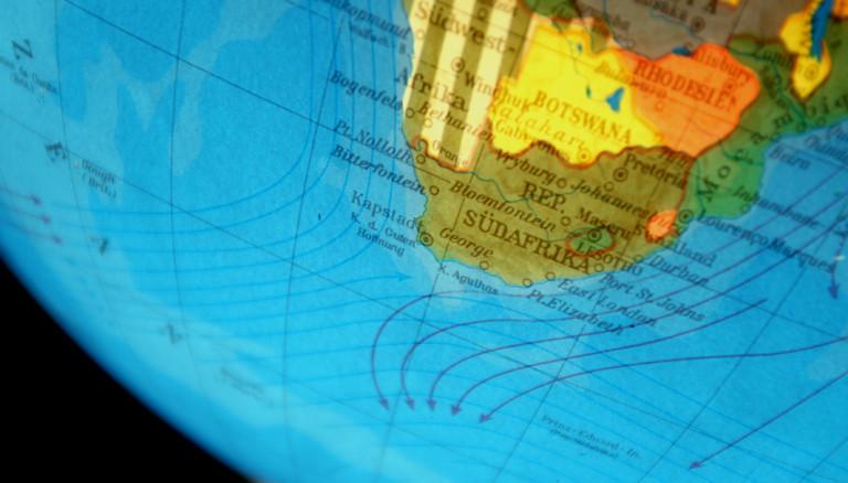 Globus der so gedreht ist, dass man Südafrika sieht.