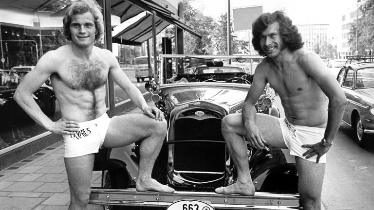 Uli Hoeneß (l) und Paul Breitner. Aufnahme vom 5.6.1973.