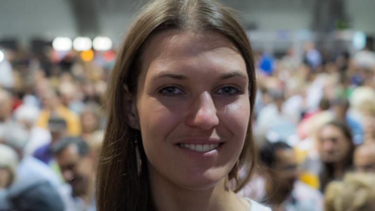 Marina Lassig beim Alternativgipfel in Elmau