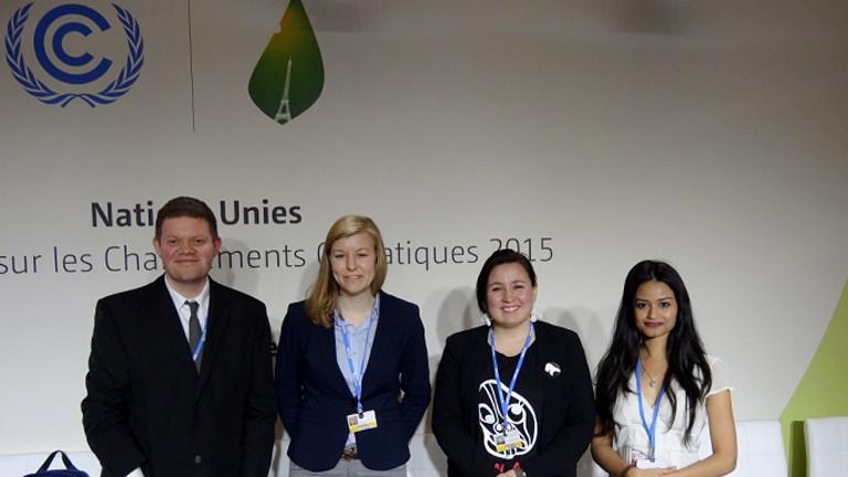 Anna Braam mit anderen Delegierten im Gruppenfoto