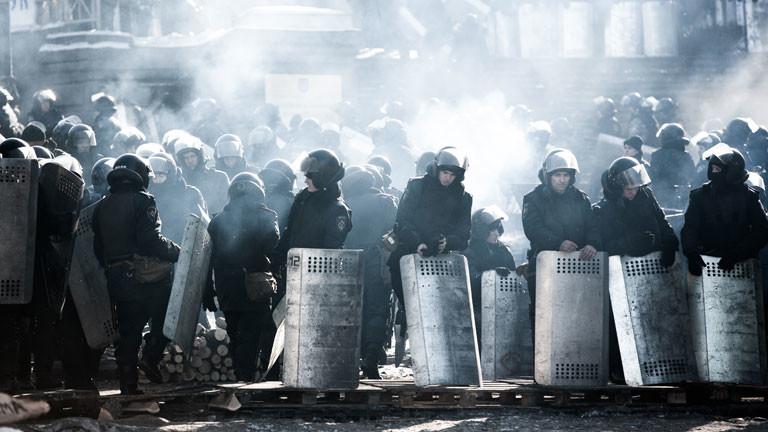 Der Konflikt zwischen Russland und der Ukraine hat zu Versorgungsengpässen bei der Zivilbevölkerung geführt.