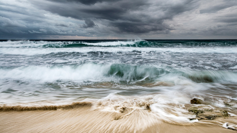 Sturm spült Geisterschiff an