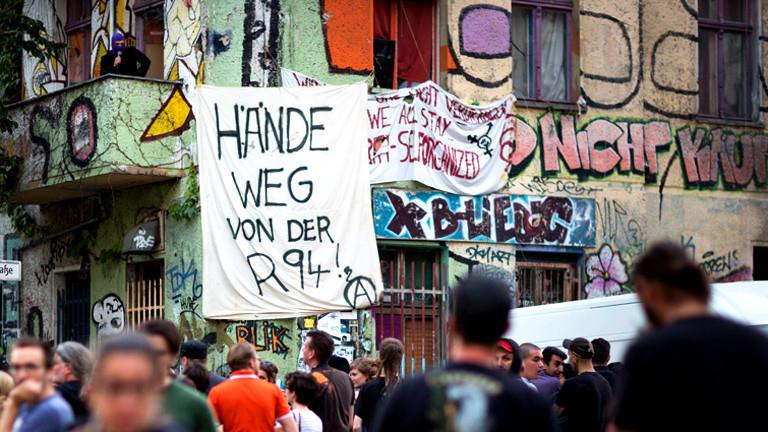 Hausbesetzer an der Rigaer-StraßeBerlin