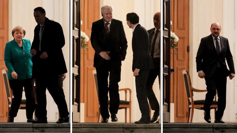 Drei Fotos vond er gleichen Tür: Einmal tritt Angela Merkel, einmal Horst Seehofer und einmal Martin Schulz heraus