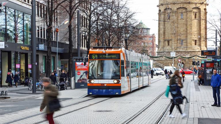 Straßenbahn in Mannheimer Innenstadt