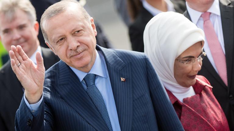 Recep Tayyip Erdoğan mit Ehefrau Emine Erdoğan beim Staatsbesuch in Berlin