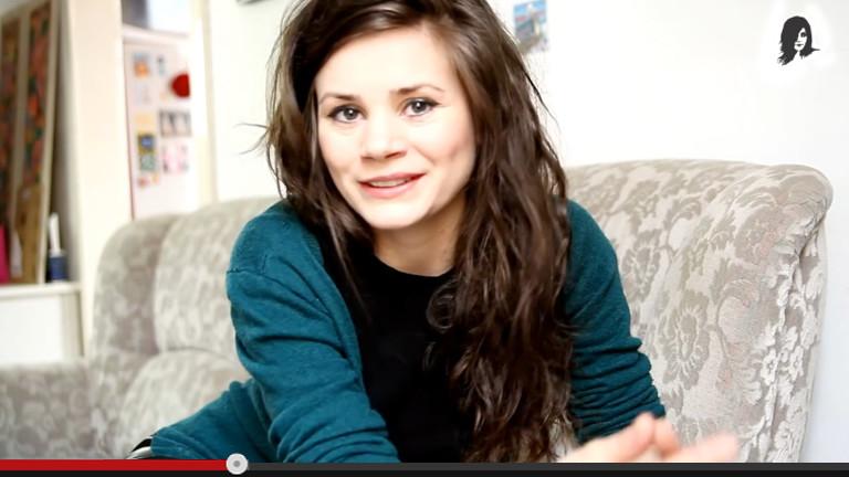Joyce Ilg lächelt in die Kamera