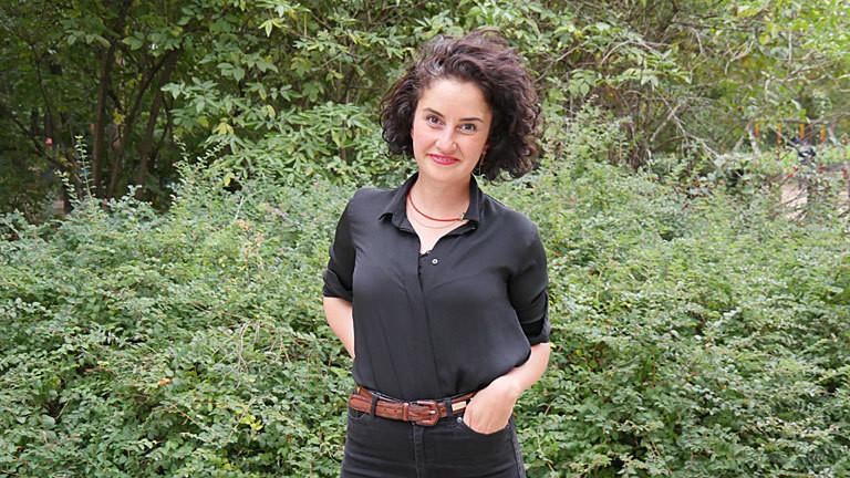 Gesprächspartnerin Armaghan Naghipour, Rechtsanwältin für Migrationsrecht und stellvertretende Vorsitzende von DeutschPlus