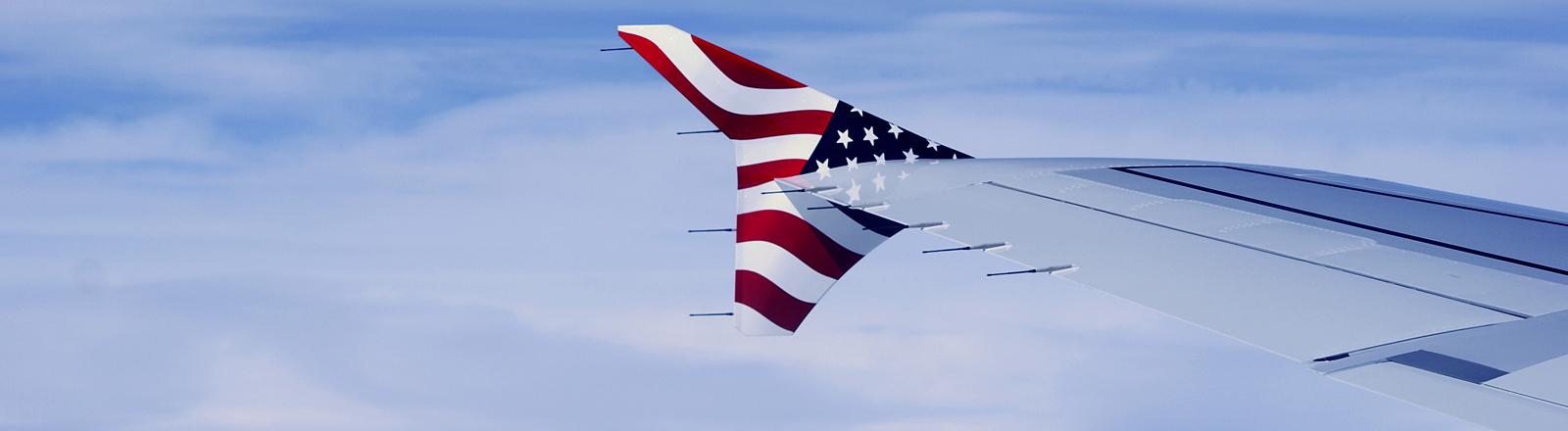 Flugzeug mit USA-Flagge