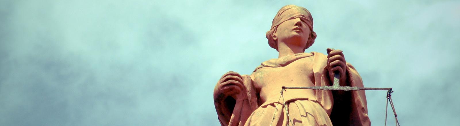 Statue der Göttin für Gerechtigkeit: Justitia.