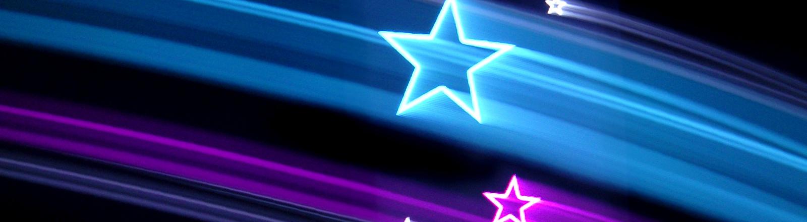 Sterne aus Licht ziehen Streifen