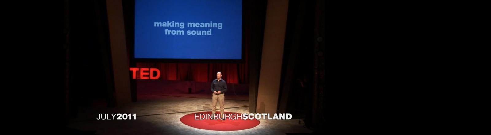 Julian Treasure hält einen Ted Talk