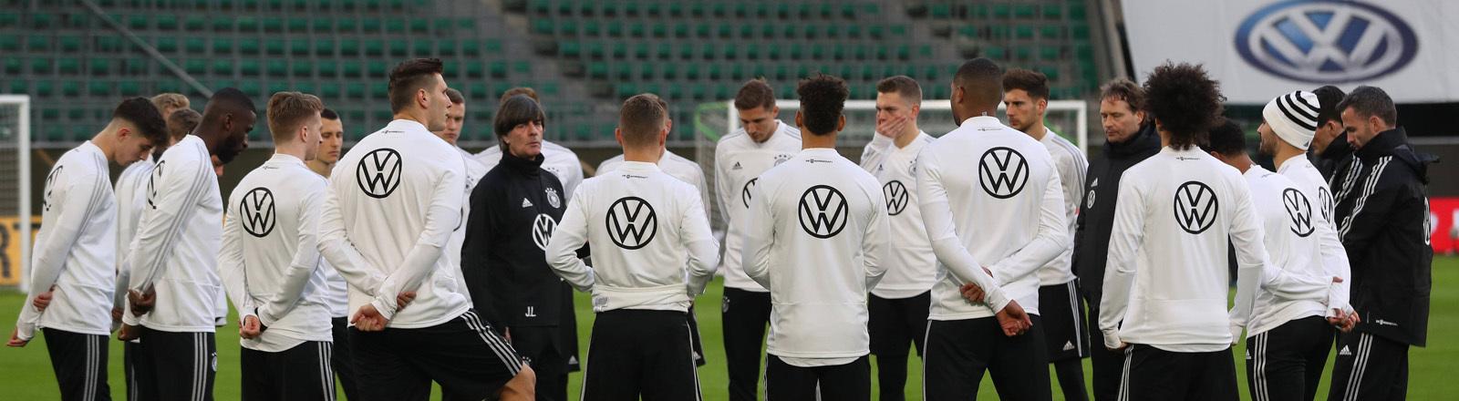 Deutsche Fußballnationalmannschaft beim Training in Wolfsburg.