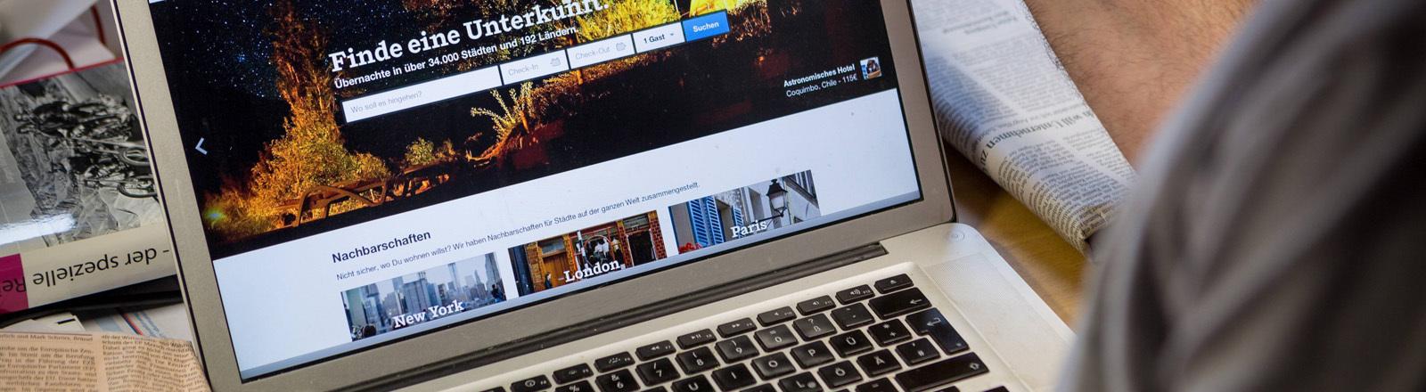 Buchungsportal auf Computerbildschirm