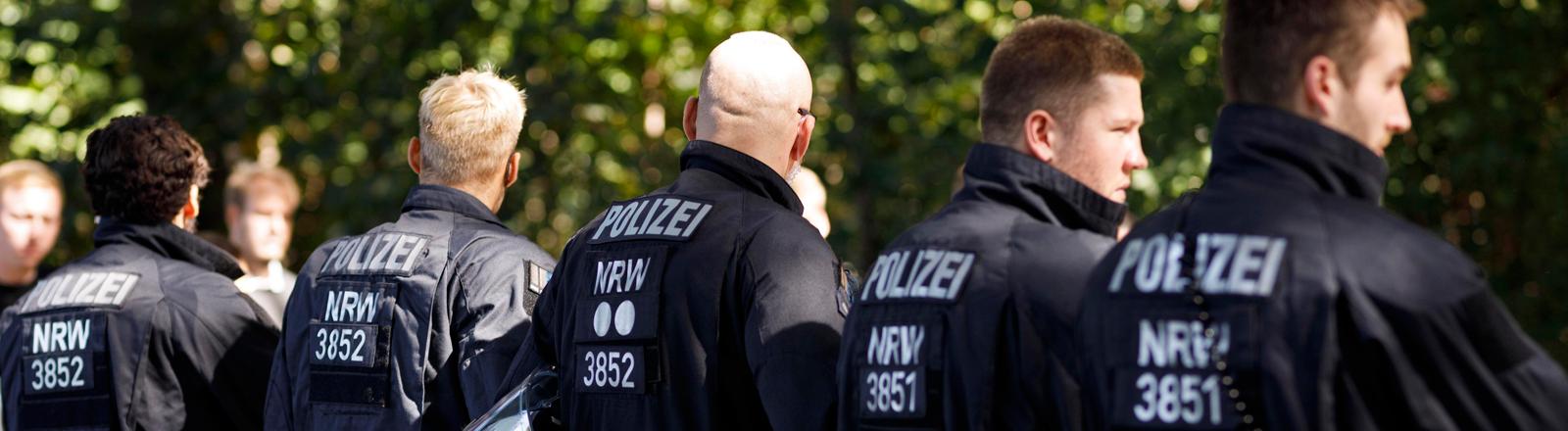 Polizei-Großaufgebot beim Derby 1. FC Köln gegen Borussia Mönchengladbach. Köln, 14.09.2019