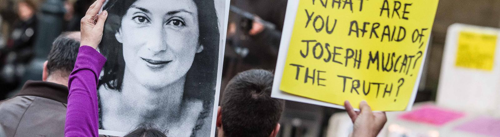 Demonstration in Valletta, Malta in Erinnerung an Daphne Caruana Galizia