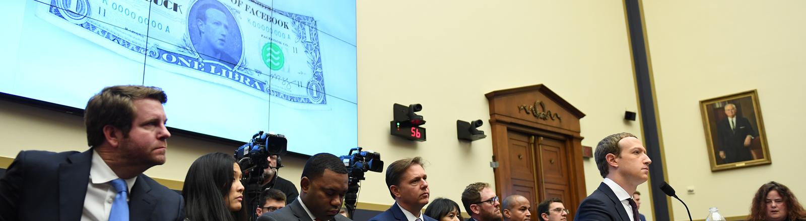 Facebook-Chef Mark Zuckerberg bei der Anhörung vor dem Finanzdienstleistungsausschuss des US-Repräsentantenhauses