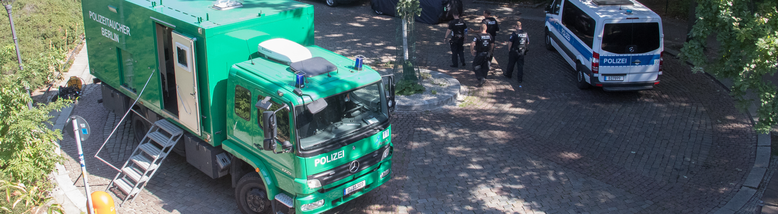 23.08.2019 - Am Freitag Mittag hat ein Radfahrer einen Mann in Kleinen Tiergarten, Turmstrasse / Stromstrasse vom Fahrrad aus erschossen