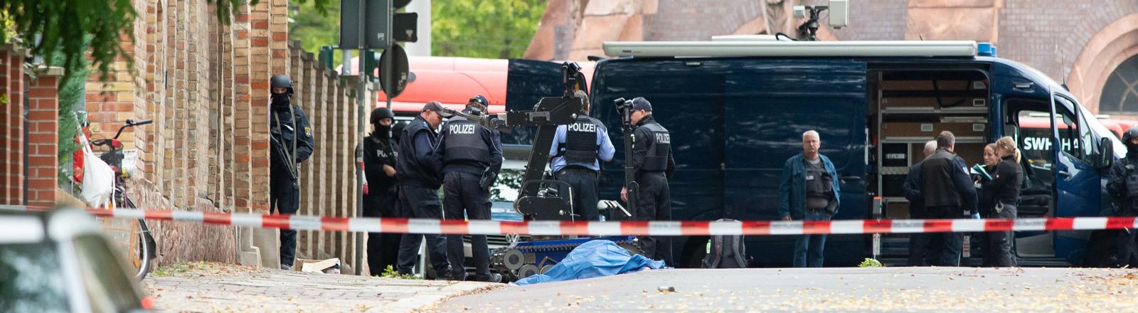 Tatort in Halle vor der Synagoge