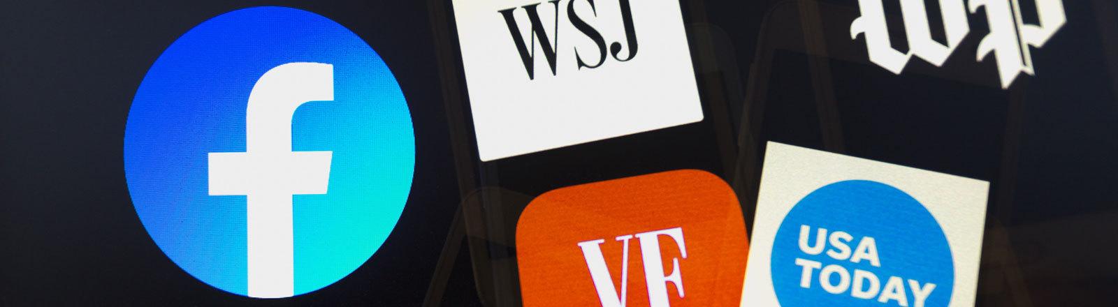 Facebook-Logo mit mehreren Nachrichten-Logos- Als Symbol für Facebook News.