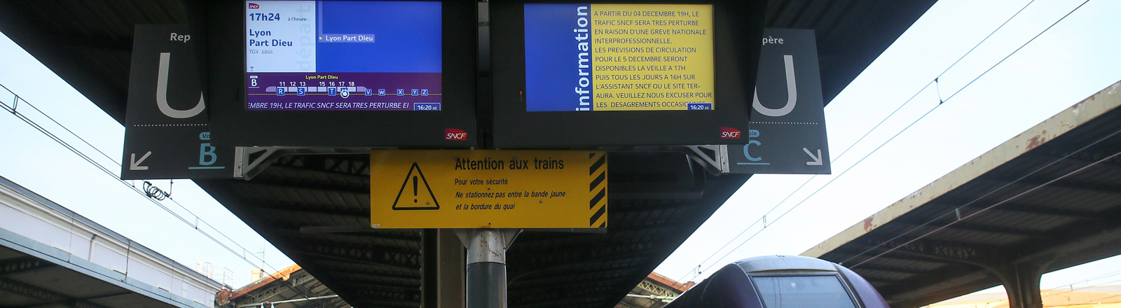 A Train Express Regional Auvergne Rhone Alpes (TER) train has stopped at the Valence Ville SNCF railway station due to a national strike appeal against the pension reform.