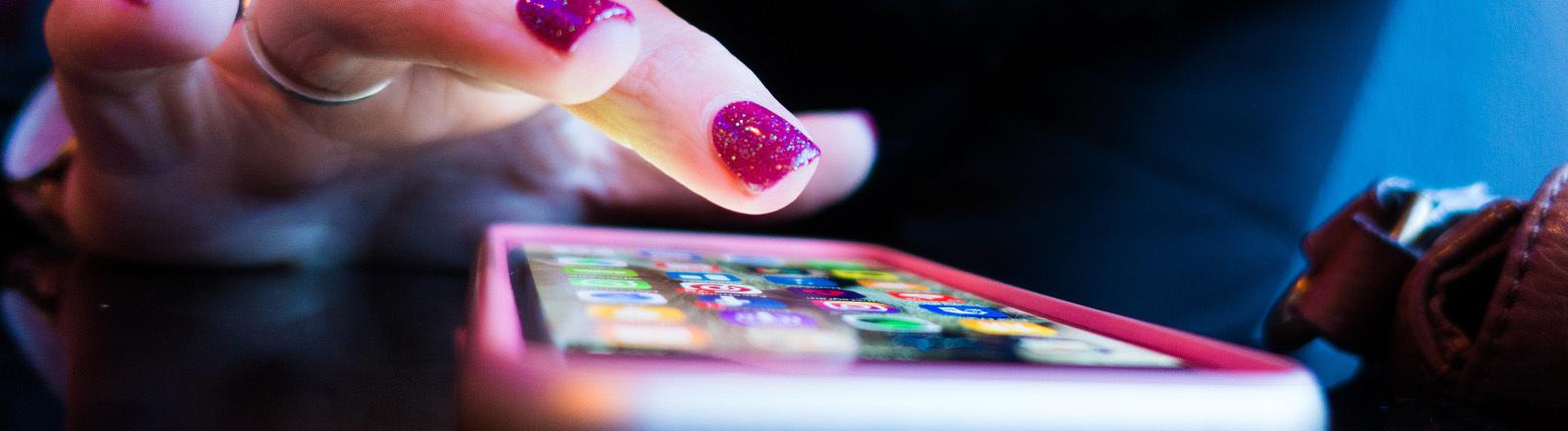 Social-Media-Apps auf Smartphone-Bildschirm