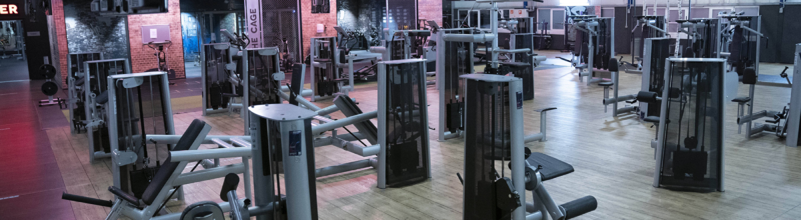Wenn man euch die Geräte zeigt: Leere in einem Fitnessstudio im Kölner Stadtteil Kalk