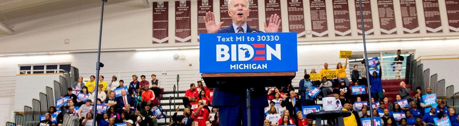 Joe Biden redet zu seinen Anhängern in Detroit, Michigan (09.03.2020)