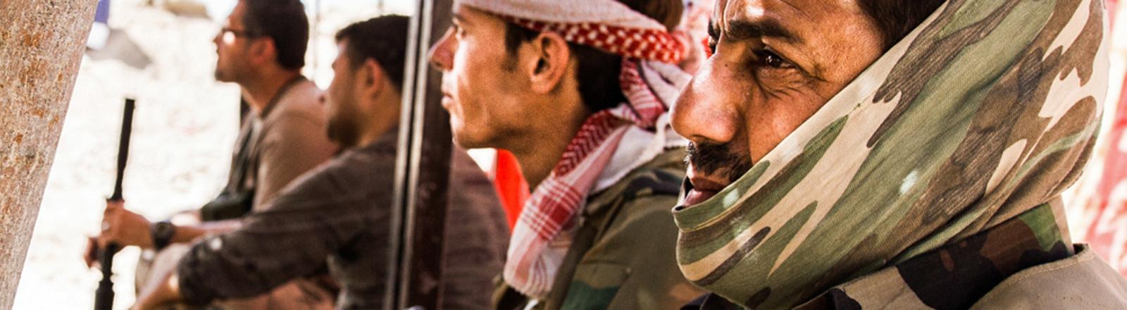 In Sichtweite dieses letzten Posten der Peschmerga hat IS am 20.06.2014 seine Stellungen bezogen.