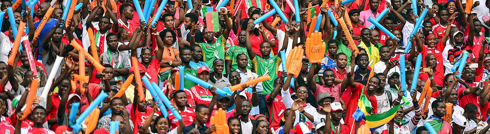 Fans bei der Eröffnungsfeier des Afrika Cup 2015 im Bata Stadion in Bata, Äquatorialguinea, am 17.01.2015