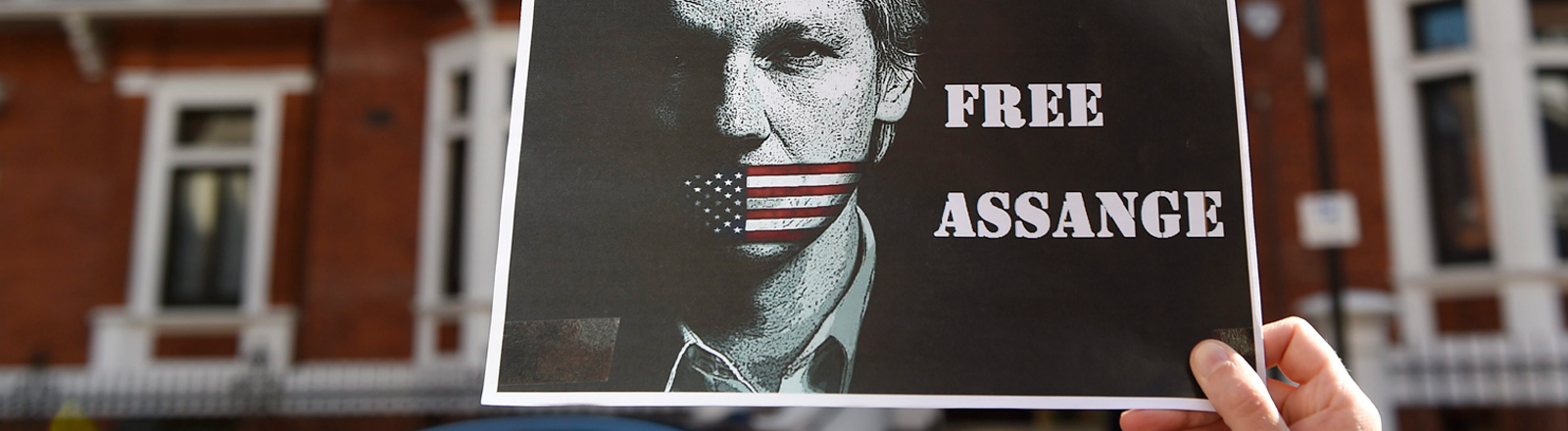 Seit mehr als drei Jahren sitzt Wikileaks-Gründer Julian Assange in der ecuadorianischen Botschaft in London fest.