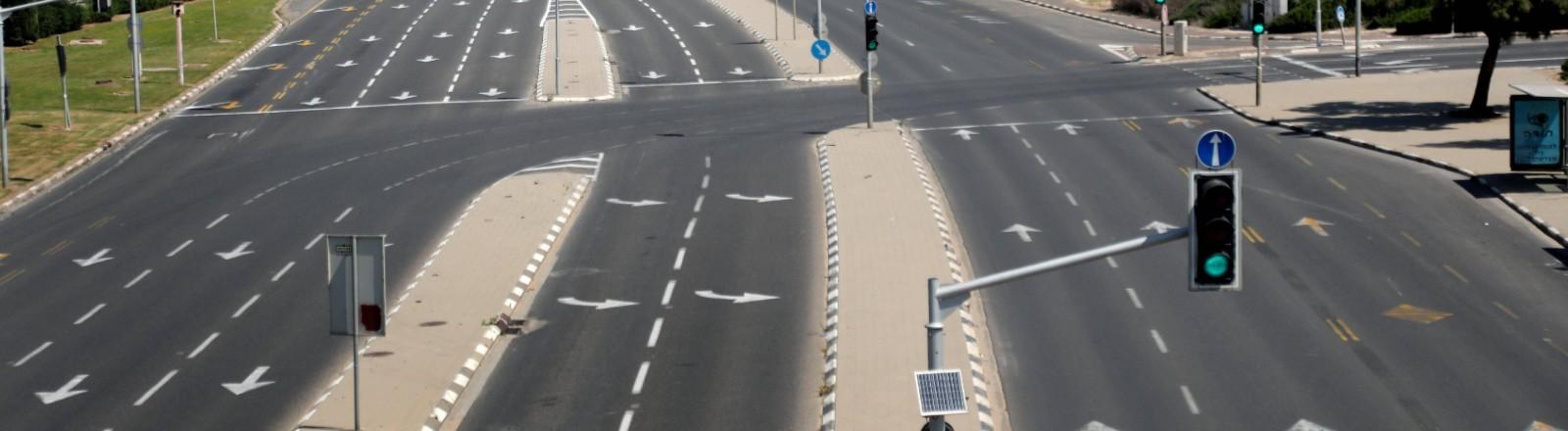 Leere Straße während des Lockdowns im April 2020 in Tel Aviv