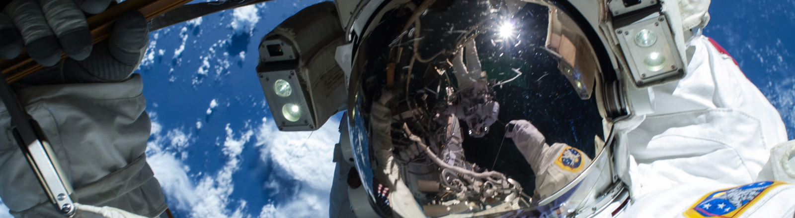 Ein Astronaut in der Nahansicht.