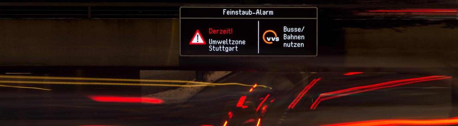 Warnhinweis in Stuttgart über erhöhte Feinstaub-Konzentration