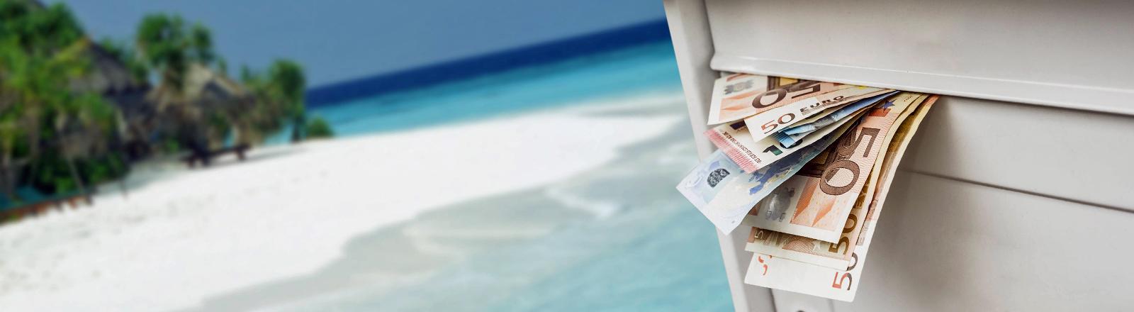 Ein Briefkasten mit Geldscheinen vor einer Südseeinsel.