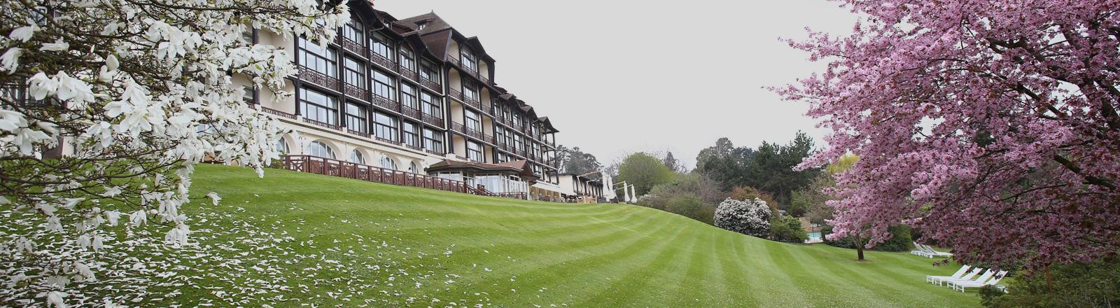 Das Hotel Ermitage im französischen Evian-les-Baines.