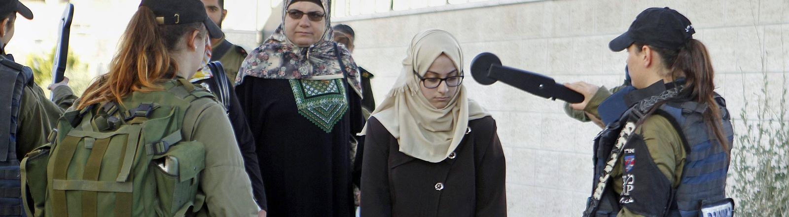Kontrollen am Checkpoint zwischen Jerusalem und Bethlehem.