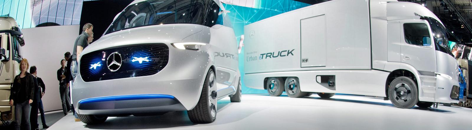 Eine Transporter-Studie Mercedes Vision Van und der Mercedes Elektro-LKW Urban eTruck.