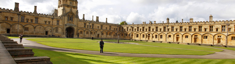 Das Christ Church College ist ein historisches Gebäude und gehört zur Oxford Universität.