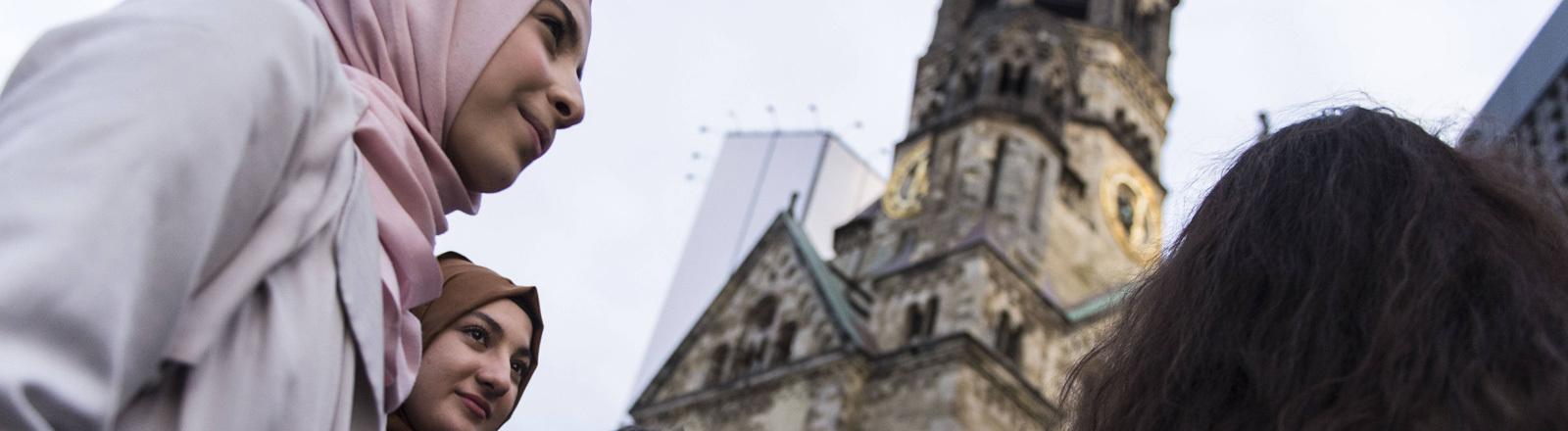 Muslime, Christen und Juden demonstrieren gemeinsam für Toleranz in Berlin 16.03.2017