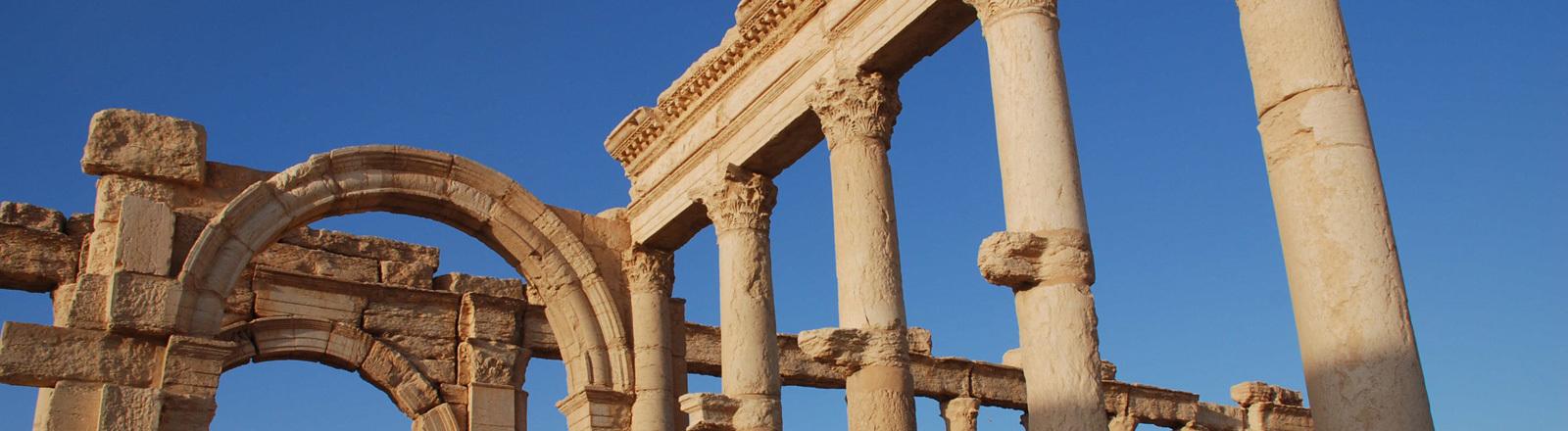 Ruinen der antiken Stadt Palmyra in der syrischen Wüste nördlich von Damaskus, aufgenommen am 17.06.2008.