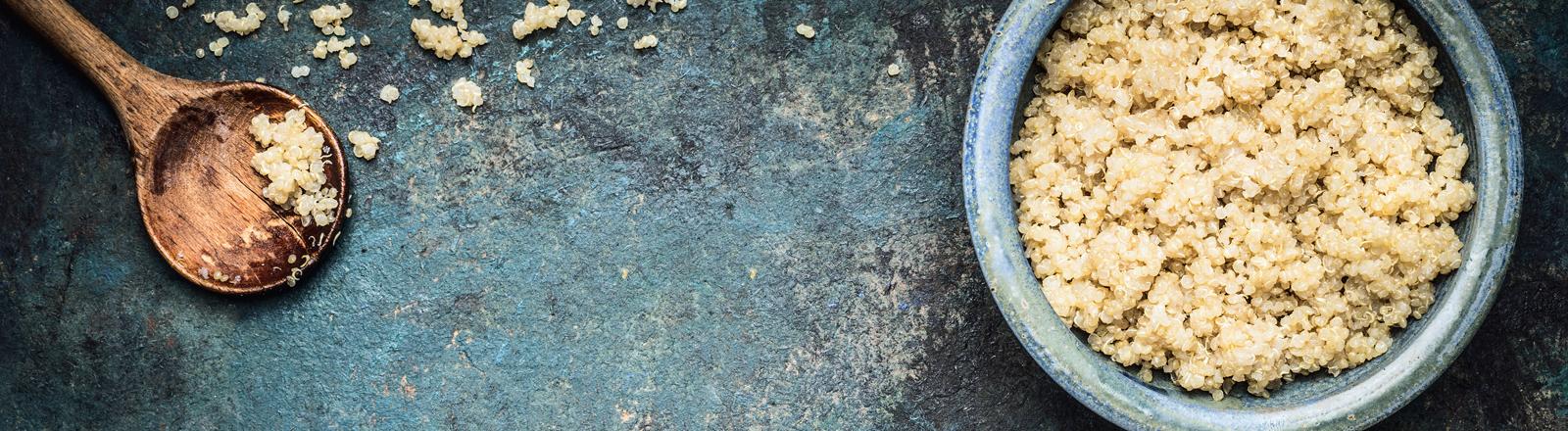Eine Schale mit Quinoa.